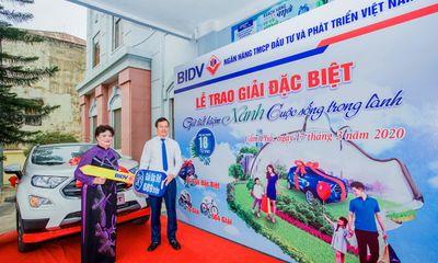 Tư vấn tiêu dùng - Gửi tiết kiệm xanh, khách hàng BIDV trúng ô tô gần 700 triệu đồng