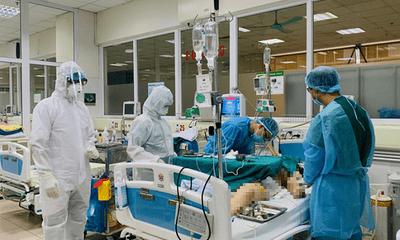 Người bác lây Covid-19 từ bệnh nhân số 17 phải can thiệp tim phổi nhân tạo