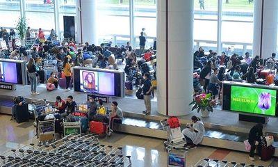 Dừng tất cả các chuyến bay chở người Việt Nam từ vùng dịch về Nội Bài