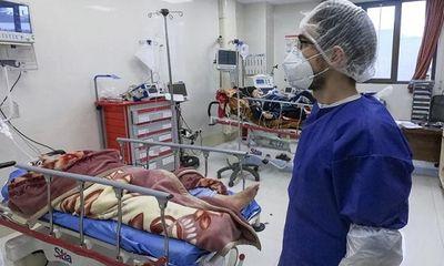 Iran: Gần 300 người chết vì uống rượu để ngăn ngừa Covid-19