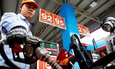 """Giá xăng dầu dự kiến giảm """"sốc"""" chưa từng có, còn khoảng hơn 10.000 đồng/lít"""