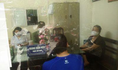 Hà Nội: Đi tập thể dục không đeo khẩu trang, 4 người bị mời về trụ sở công an làm việc