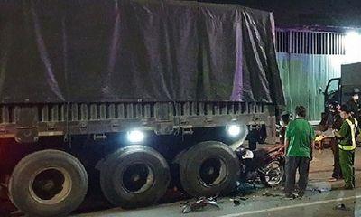 Tin tai nạn giao thông mới nhất ngày 29/3/2020: Tông đuôi xe container, 2 thanh niên tử vong