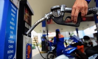 Từ chiều 29/3, giá xăng giảm mạnh chỉ còn hơn 12.000/lít