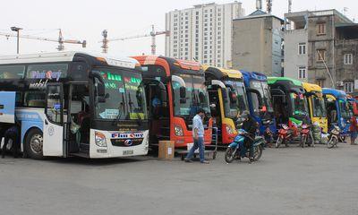 """Hỏa tốc """"lệnh"""" dừng toàn bộ xe chở khách hợp đồng trên 9 chỗ đến/đi từ Hà Nội, TP.HCM"""