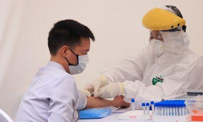 3 người nghi nhiễm Covid-19 qua test nhanh ở trạm dã chiến âm tính với virus SARS-CoV-2