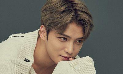 Nói dối nhiễm Covid-19 vào ngày Cá tháng Tư, Kim Jae Joong nhận vô số chỉ trích