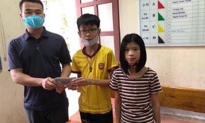 Nhặt được bọc tiền 50 triệu đồng, học sinh lớp 7 trả lại người đánh rơi