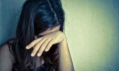 Mẹ tố cáo con gái 13 tuổi bị gã trai quen qua mạng xã hội giở trò đồi bại