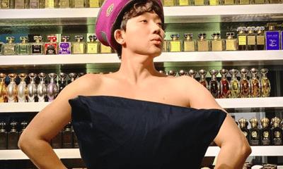 """Ở nhà cách ly, Trấn Thành bắt trend """"lấy gối làm váy"""" chiếm sóng mạng xã hội"""
