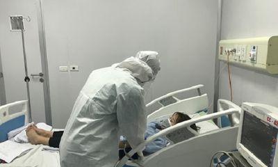 Sức khỏe của các bệnh nhân Covid-19 nặng: 2 ca vẫn nguy kịch, một ca đã mở khí quản