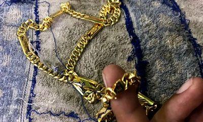 Vụ giật 2 sợi dây chuyền ở tiệm vàng Củ Chi: Nghi phạm bị chủ nợ trên mạng đòi tiền