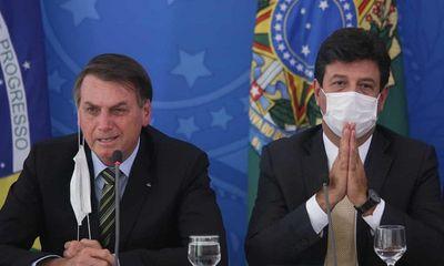 Tổng thống Brazil sa thải Bộ trưởng Y tế giữa lúc đại dịch Covid-19 hoành hành