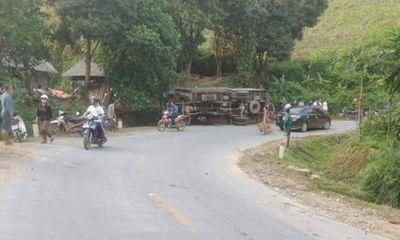 Tin tai nạn giao thông mới nhất ngày 21/4/2020: Nhảy ra ngoài vì ô tô tải mất phanh, người đàn ông bị xe đè tử vong