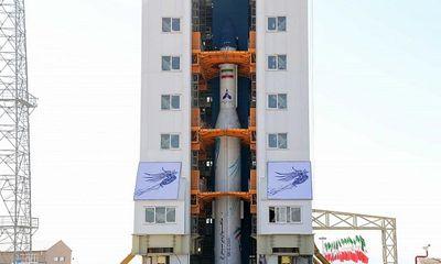 Iran phóng thành công vệ tinh quân sự đầu tiên sau nhiều lần thất bại