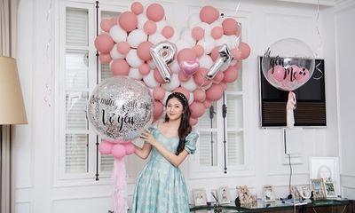 Tin tức giải trí mới nhất ngày 23/04: Á hậu Thanh Tú khoe nhan sắc xinh đẹp trong tiệc sinh nhật tuổi 26