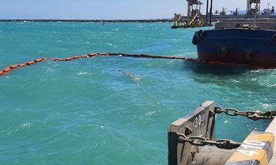 Bình Thuận: Chìm tàu chở hàng tại Cảng quốc tế Vĩnh Tân, 7 người may mắn thoát nạn