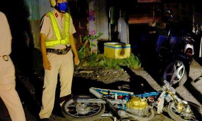 Cảnh sát nổ súng khống chế, chặn bắt hơn 100