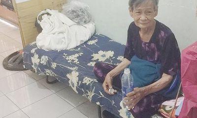 Xúc động tấm lòng thơm thảo của cụ bà 80 tuổi bán vé số mưu sinh