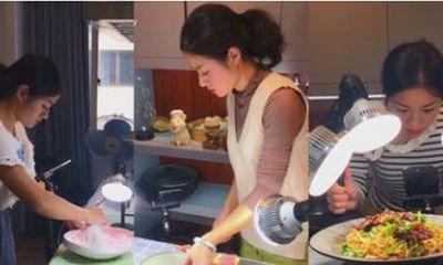 Sự thật ít người biết về công việc vlogger nấu ăn hot nhất hiện nay