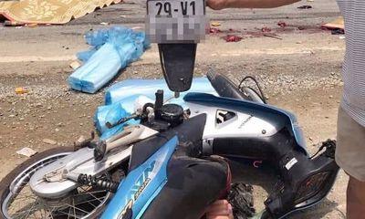 Hiện trường vụ xe máy va chạm với xe đầu kéo, 2 mẹ con tử vong