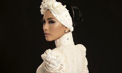 Trương Thị May gây thương nhớ với áo dài trắng kết hợp khăn Turban cá tính