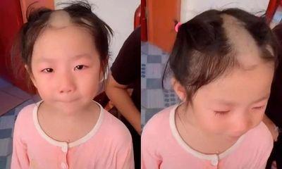 Bắt chước clip cắt tóc trên mạng cô bé 5 tuổi khiến dân mạng