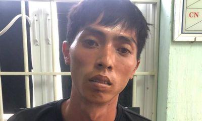 Say rượu ngủ bên vệ đường, thanh niên 27 tuổi bị cướp xe máy, điện thoại
