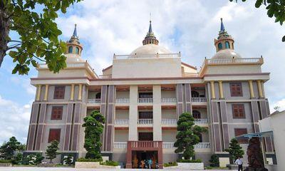 Choáng ngợp trước dinh thự lớn nhất Nam Bộ của đại gia Trầm Bê