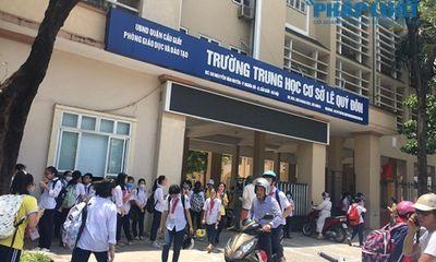 Chủ tịch Hà Nội yêu cầu kiểm tra vụ trường khóa cửa lớp, học sinh
