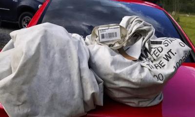 Tin tức đời sống mới nhất ngày 23/5/2020: Nhặt được 2 túi rác chứa gần 1 triệu USD trên đường