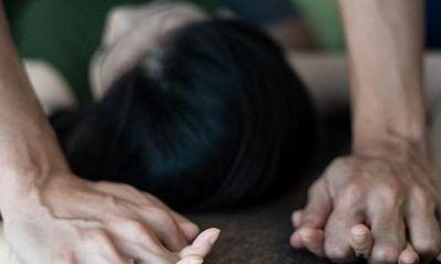Cùng hiếp dâm cô gái thiểu năng đến có thai, 2 cha con bị truy tố