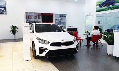 Khi nào người mua ô tô mới được giảm 50% lệ phí trước bạ?