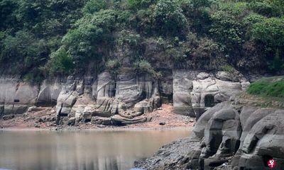 Video: Cận cảnh tượng Phật 1.300 tuổi ở Trung Quốc bất ngờ nổi lên trên mặt hồ