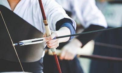 Nhật Bản: Nam thanh niên dùng cung tên bắn chết người nhà
