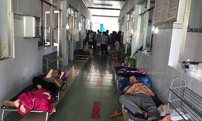 Bình Phước: Hơn 100 người nhập viện sau khi ăn tiệc cưới