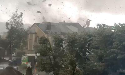 Vĩnh Phúc: Lốc xoáy kinh hoàng làm sập nhà xưởng khiến ít nhất 3 người thiệt mạng