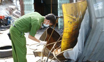 Nổ bình khí nén, chủ tiệm vá vỏ ô tô bị hất văng nhiều mét