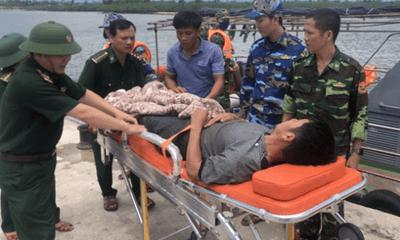 Cứu hộ thành công ngư dân bị đau ruột thừa trên biển