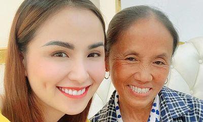 """""""Đọ sắc"""" cùng Hoa hậu Diễm Hương, bà Tân Vlog dù hơn 50 tuổi nhưng vẫn được khen tới tấp ở điểm này"""
