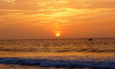 Tư vấn du lịch: Đến Quy Nhơn cắm trại ngủ lều ngay bờ biển, ngắm bình minh đẹp nao lòng