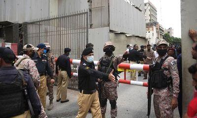 Sở giao dịch chứng khoán Pakistan bị các tay súng tấn công, ít nhất 8 người chết