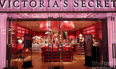 Bị đồn phá sản, không thể chi trả các khoản nợ, hãng nội y Victoria's Secret đang làm ăn ra sao?
