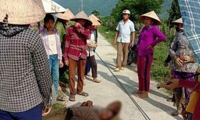 Đi thăm vườn, người phụ nữ bị dây điện rơi trúng đầu nằm gục tại chỗ