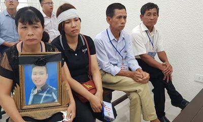 Nước mắt của người mẹ mất con dưới tay 2 kẻ nghiện game