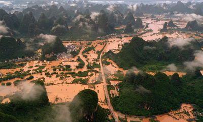 Trung Quốc mưa lũ bất thường, hơn 100 người chết, mất tích