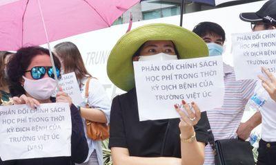 Tranh cãi học phí chưa có hồi kết, hơn 60 phụ huynh trường quốc tế Việt Úc gửi đơn khởi kiện ra tòa