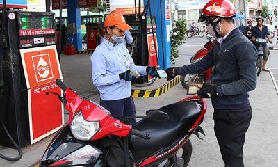 Sau 4 lần tăng giá liên tiếp, giá xăng dầu bất ngờ