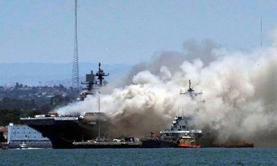 Hiện trường vụ căn cứ Hải quân Mỹ náo loạn vì tàu chiến bốc cháy ngùn ngụt, nhiều người nhập viện