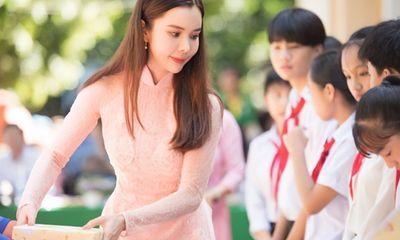 Huỳnh Vy khánh thành cầu, trao học bổng cho học sinh ở quê nhà Đồng Tháp